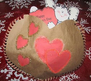 Paper Bag Valentines, crom Momstown Arts and Crafts