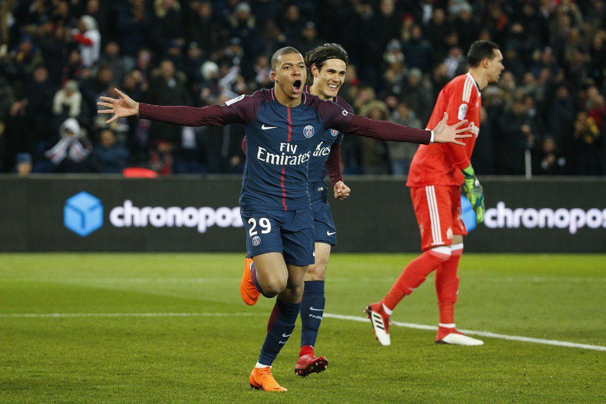 Paris SaintGermain 3 Marseille 0 Neymar injured in easy