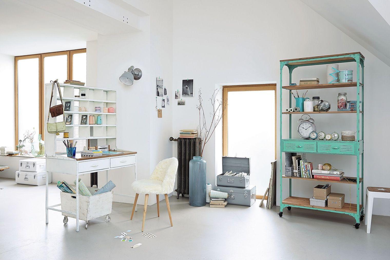 cloisonner avec un bureau rangement organisation un bureau dans le salon bureau bureau. Black Bedroom Furniture Sets. Home Design Ideas