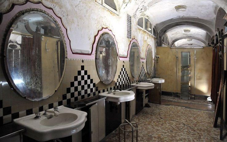 Inaugurati nel 1925, i bagni pubblici di Porta Venezia rappresentano ...