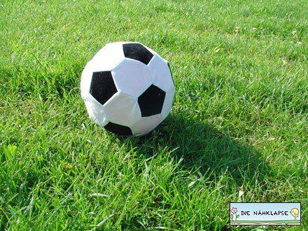Kostenlose Nähanleitung: Luftballonhülle Fußball | Nähen | Pinterest ...