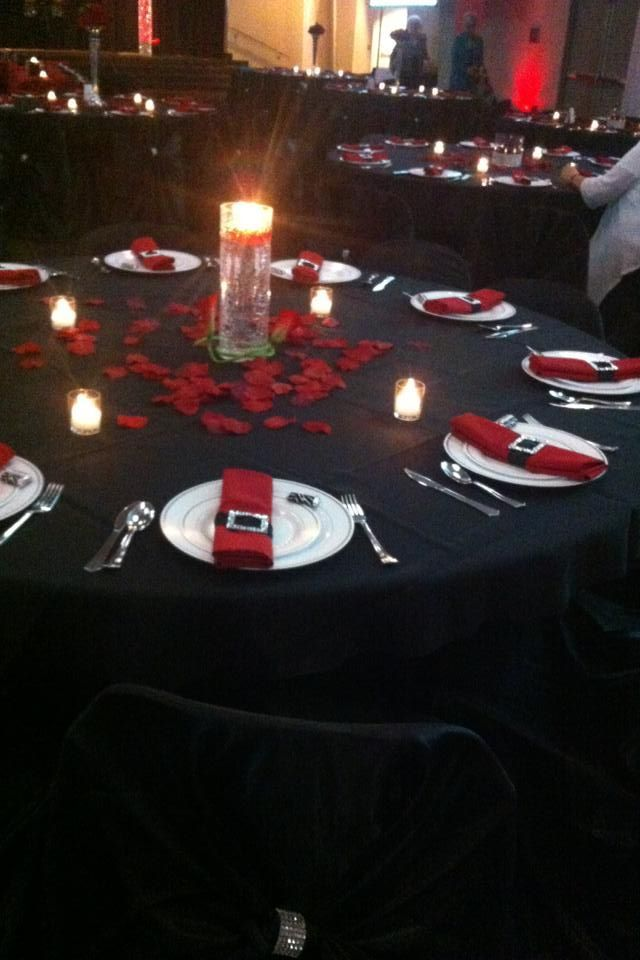 Red Black And White Wedding Reception Centerpiece Has Got To Go I Would Put A Huge Tall Rose
