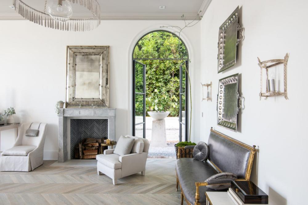 Windsor Smith Unveils The New Homefront California Home Design Vintage Modern Living Room Windsor Smith House Design
