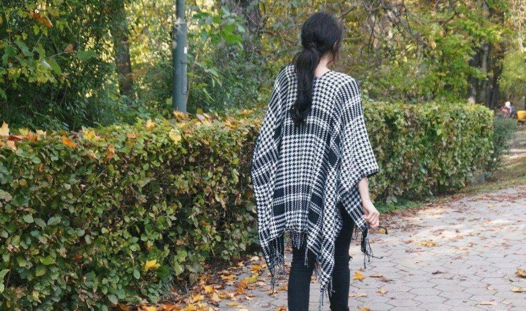 Der Hahnentritt Poncho: coole & lässige Styling-Tipps #cool #Poncho #fashion #stylish #tips