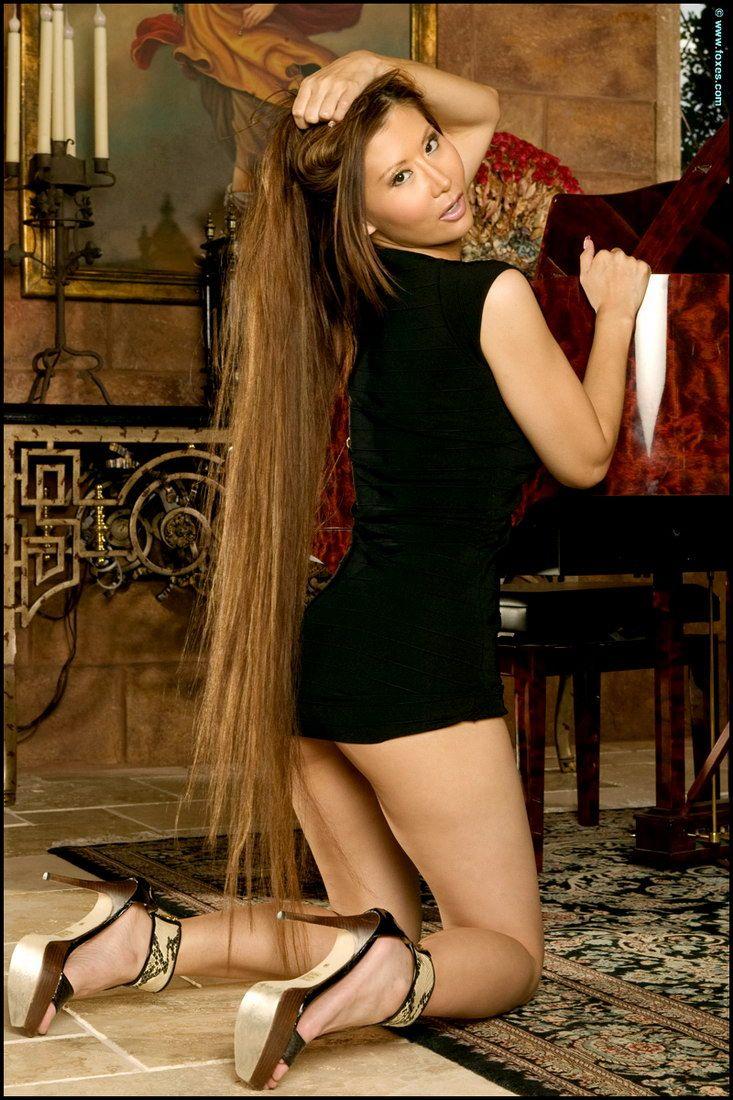 long haired asian lena li