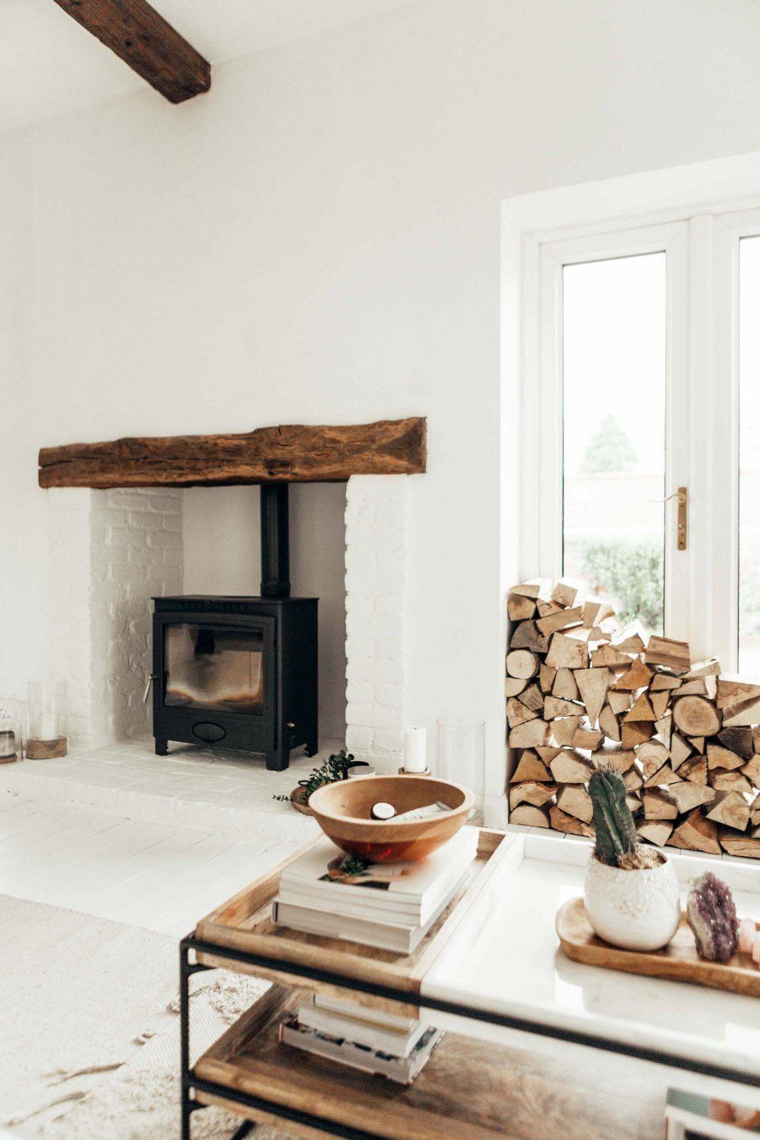 HOW TO PAINT A BRICK FIREPLACE WHITE #whitebrickfireplace