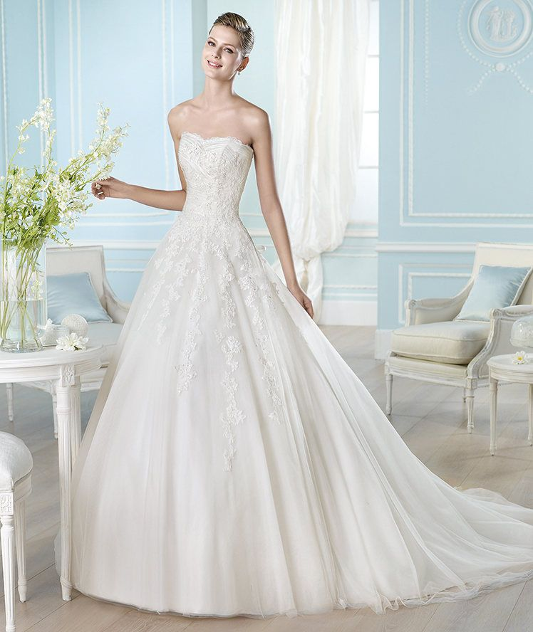 The best gowns from the most in demand wedding dress designers the best gowns from the most in demand wedding dress designers junglespirit Images