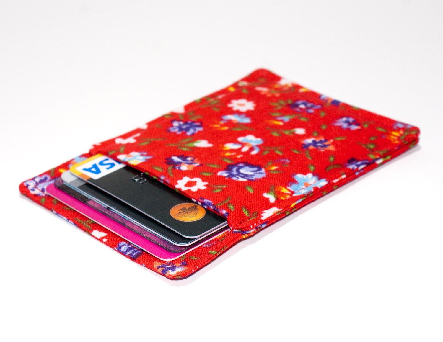 New to Chockrosa on Etsy: Slim card wallet - Red with flowers - Floral credit card wallet - Red credit card case - Business card holder - Red womens wallet - Modern