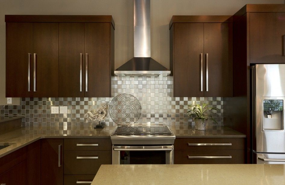 Momentous Stainless Steel Kitchen Backsplash And Varnish Wood Kitchen  Cabinets With Chunky Bar Pull Door Handles