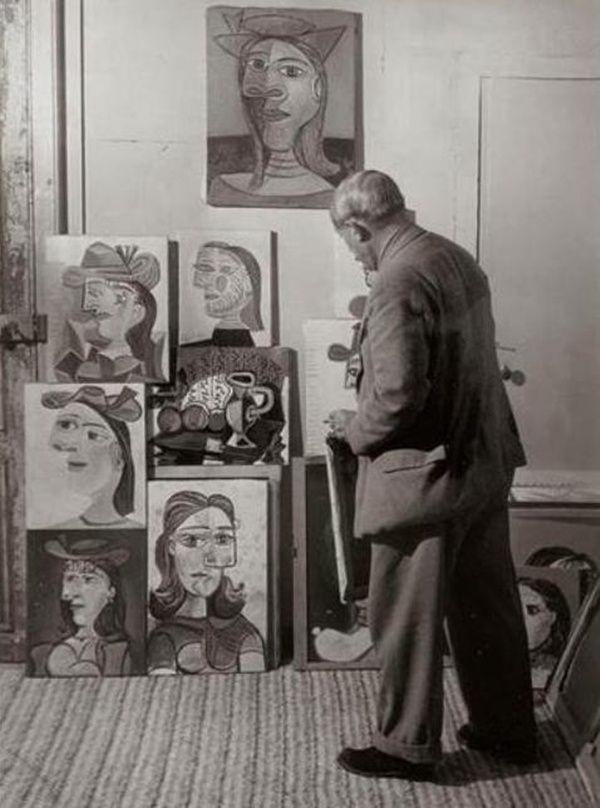 ImpressioniFotografiche: Brassaï - Picasso and his portraits of Dora Maar