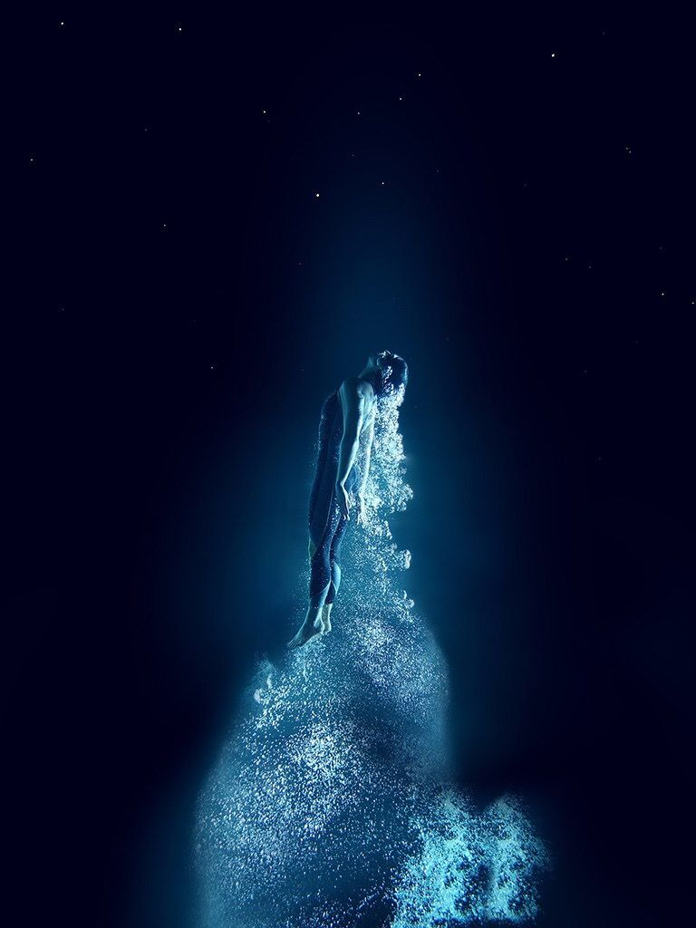 Unique Hd Wallpapers Background Underwater Girl Walls Screen Ios Iphone Ipad Dark Photograp Unique Wallpaper Underwater Photography Underwater Art
