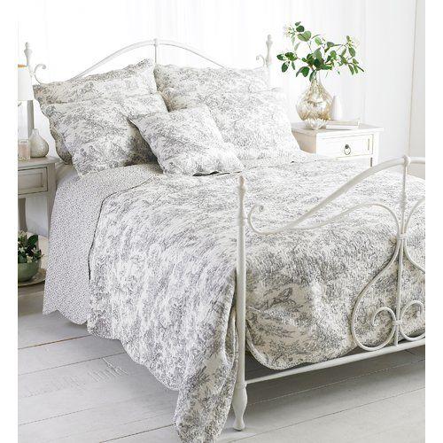 Photo of Fleur De Lis Living Bedspread Mabon   Wayfair.de