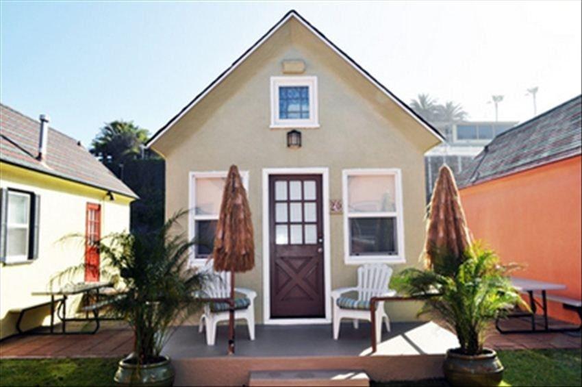 Cottage Vacation Rental In Oceanside From Vrbo Com Vacation Rental Travel Vrbo Beachfront Rentals Oceanside California Oceanside
