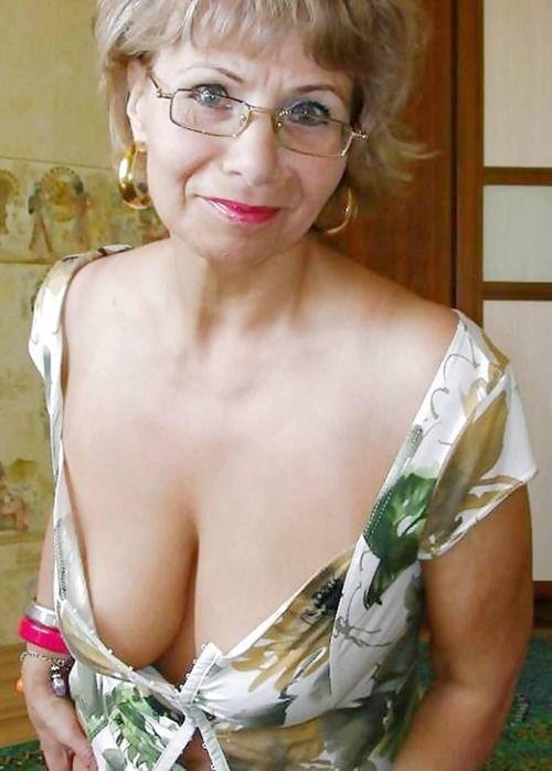 Pzoidto Jpg 500 215 698 Gilfs Pinterest Boobs And Woman