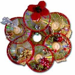CHRISTMAS WREATH IDEAS | Recycle Old CD's - Make Christmas Wreaths ...