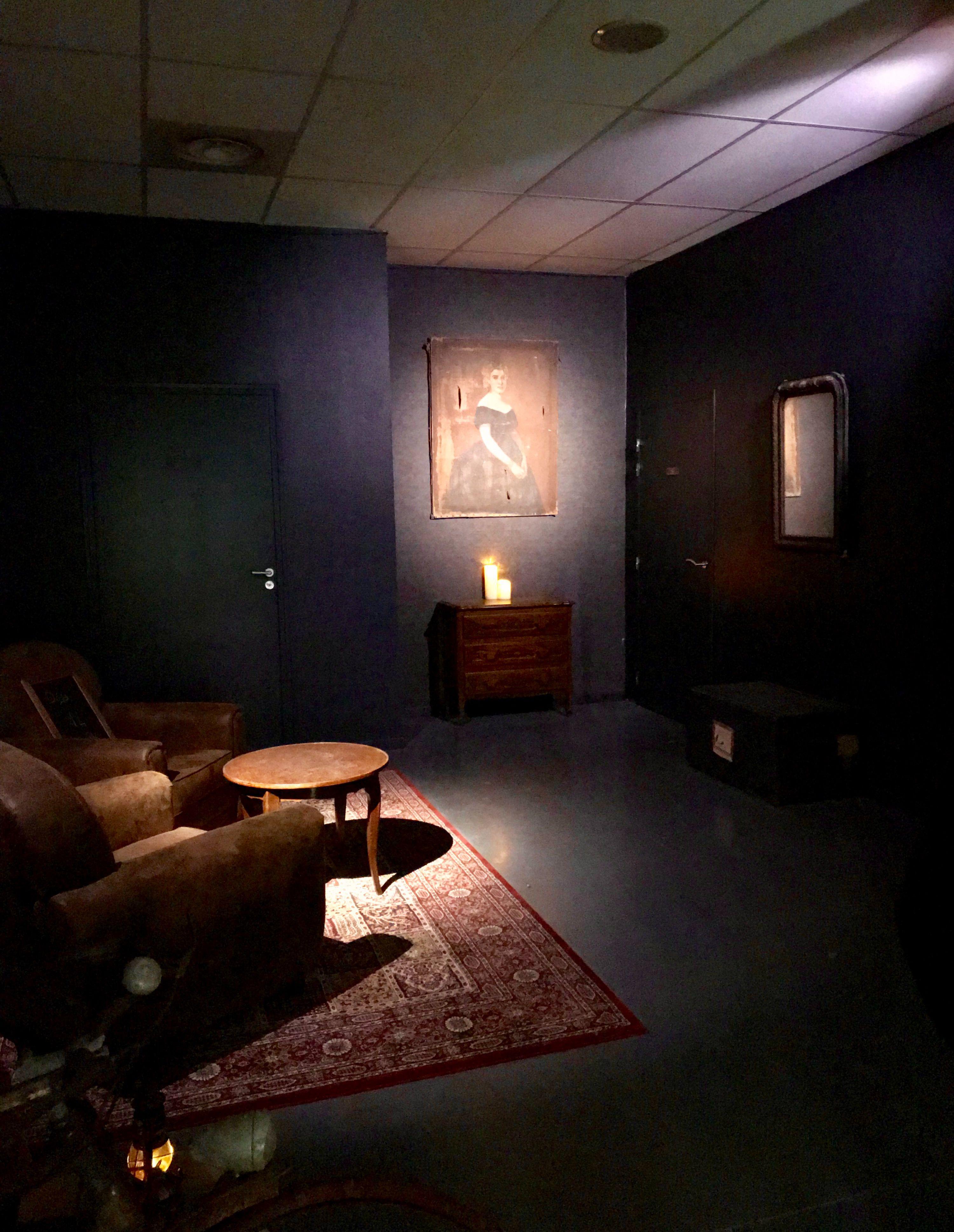 Escape Game Dark Inside A Montgermont Maison Maison Hantee Abris Bus