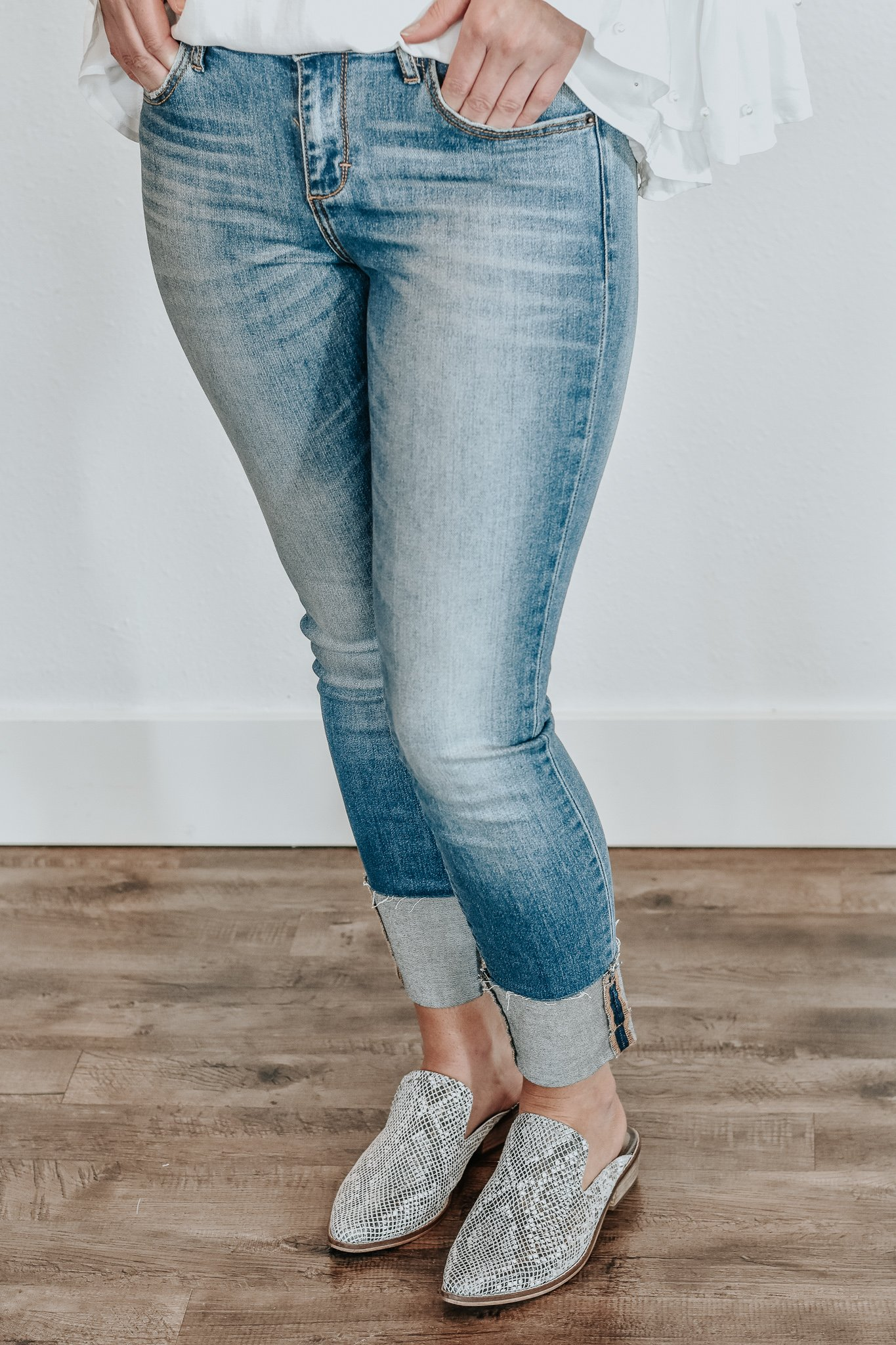 How To Hem Pants With A Cuff Reagan Cuff Hem Jeans Casual Weekend Outfit Hem Jeans Cuffed Skinny Jeans