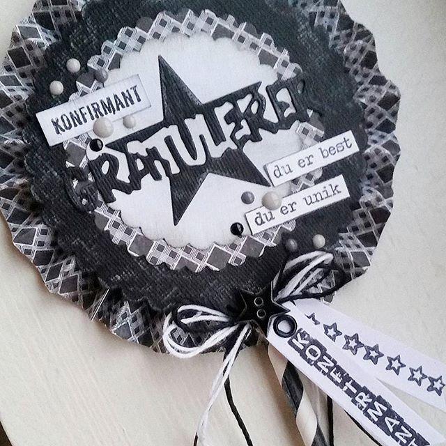 Et konfirmasjonkort hvor jeg har brukt #papirdesign sine produkter ♥#kortlaging…