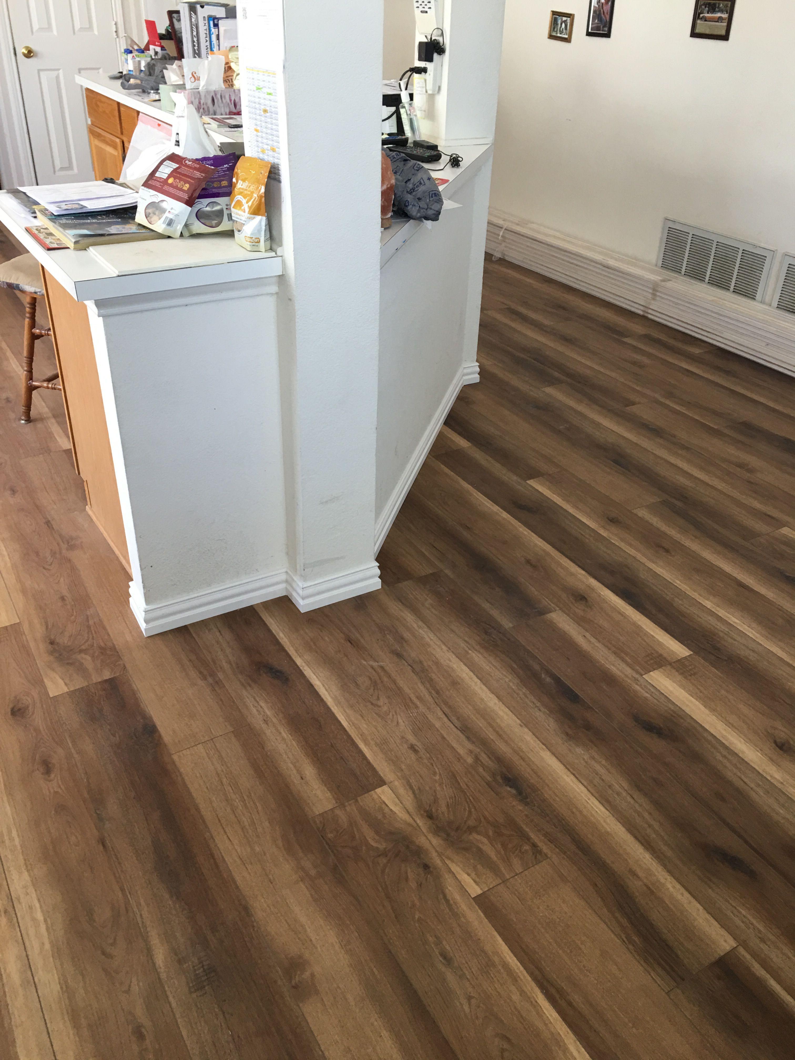 Coretec Plus 5 Plank Brockport Oak Vv023 00513 Wpc Vinyl Flooring Swatch In 2020 Vinyl Flooring Kitchen Vinyl Flooring Flooring