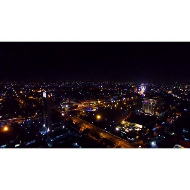 "Pekanbaru  and the peak "" in 4K !!! Night shoot by @aeromaxpekanbaru  #dji #4kvideo #4k @thepeakpku  @infopku_  @pkulover  #pekanbaru #riau by aeromaxpekanbaru"