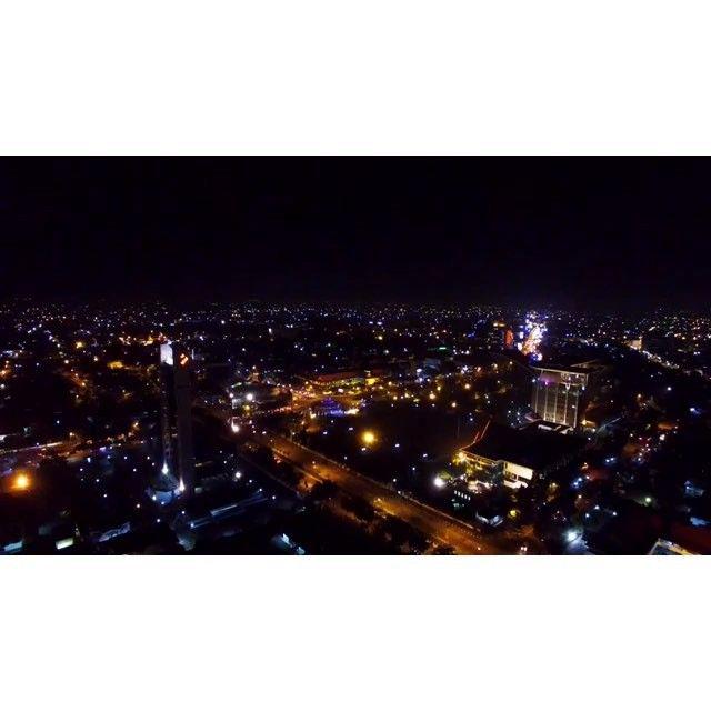 "Pekanbaru  and the peak "" in 4K !!! Night shoot by @aeromaxpekanbaru  #dji #4kvideo #4k @thepeakpku  @infopku_  @pkulover  #pekanbaru #riau by aeromaxpekanbaru"