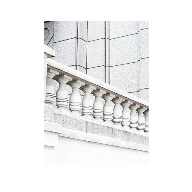 . . . #photography #london #trip #voyage #architecture #minimal #nikon #building #graphic #white #liverpoolstreet  #런던 #건축 #디테일 #그래픽 #사진 #미니멀 #미니멀리즘 #화이트 #사진스타그램 #여행 #일상 #데일리 #영국  photography Wonji HONG