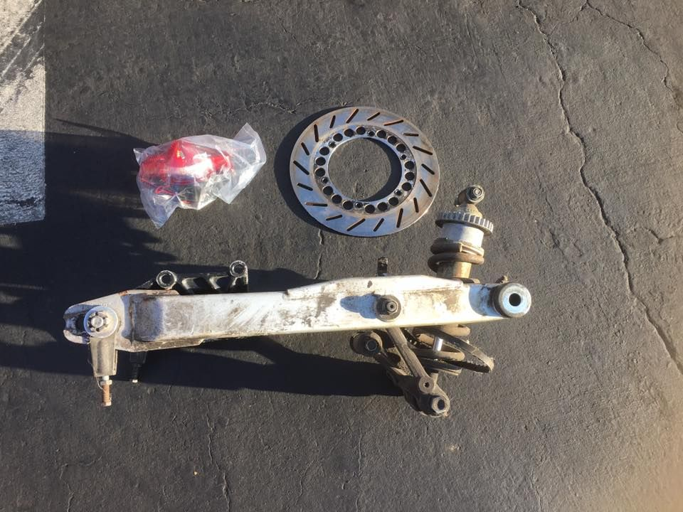 RZ350 swingarm and shock for potential mono shock conversion