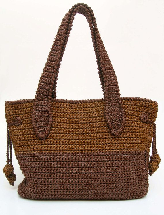 Photo of Crochet pattern for a two sizes bag. Crochet a bag for carrying your knitting projects or even for travelling. Back and forth, easy.