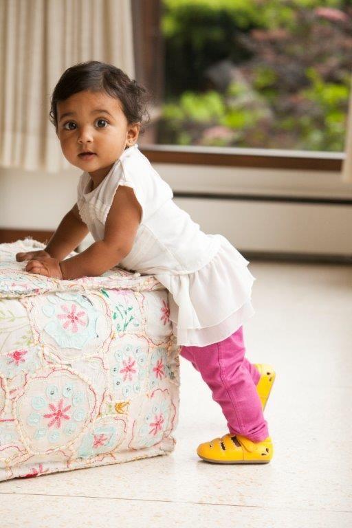 See Kai Run girls Brook crib shoe