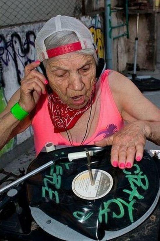 Www old woman fun com