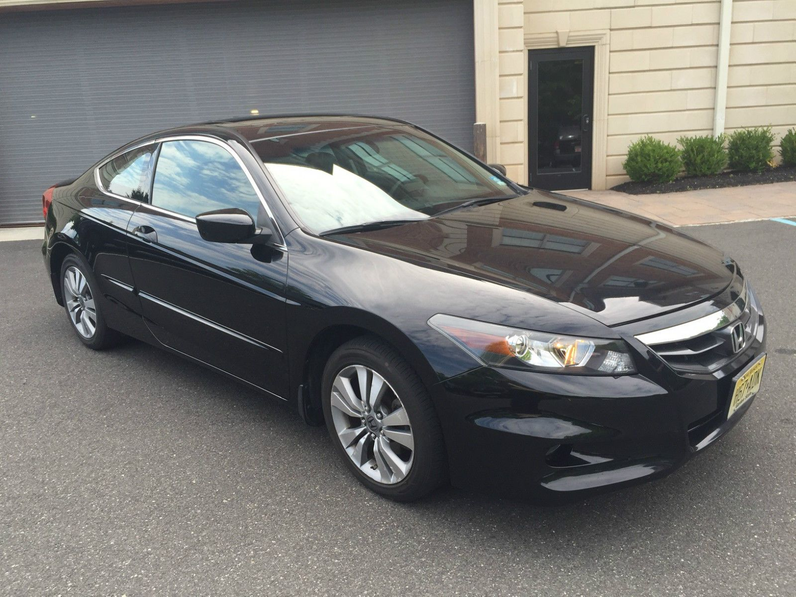 Car Brand Auctioned Honda Accord Ex L Coupe 2 Door 2011 Car Model Honda Accord Ex L Coupe Black 54 200 Miles Loaded Exc Honda Accord Ex Honda Accord Car Model
