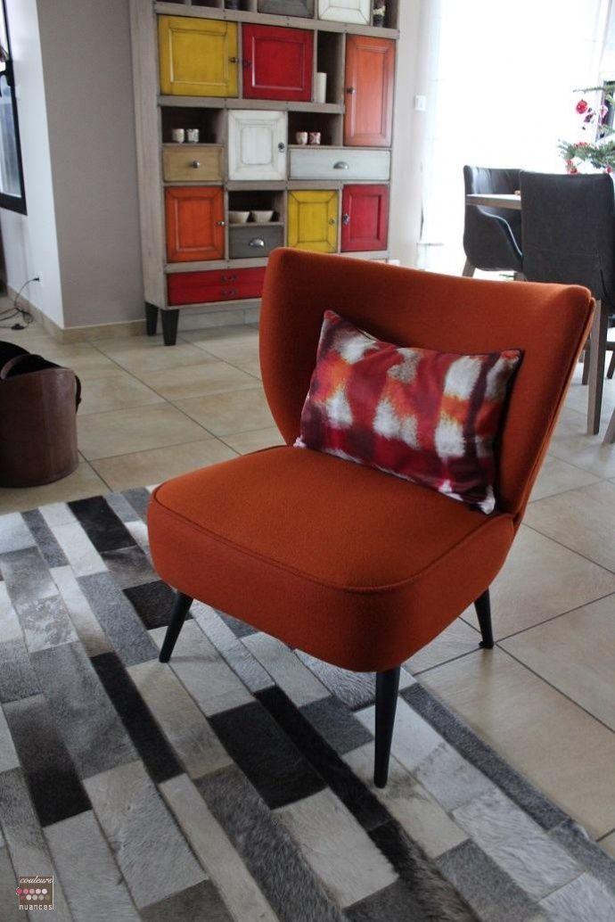 décoration industrielle chaleureuse, fauteuil orange, décoration