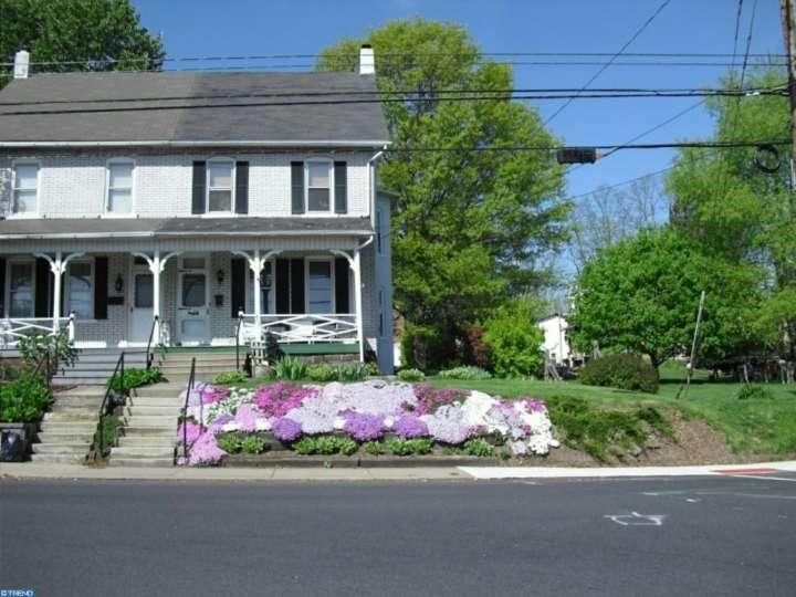 462 N Main Sellersville Pa 18960 6817388 Next At Home Home Com Home Values