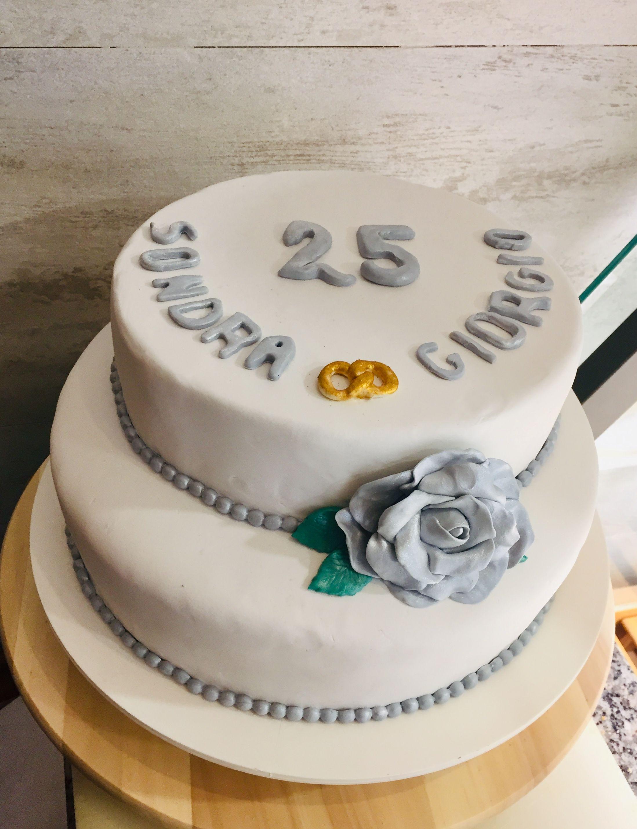 Torte Anniversario Di Matrimonio Pasta Di Zucchero.Anniversario Di Nozze Cake Design 25 Anni Insieme Torta