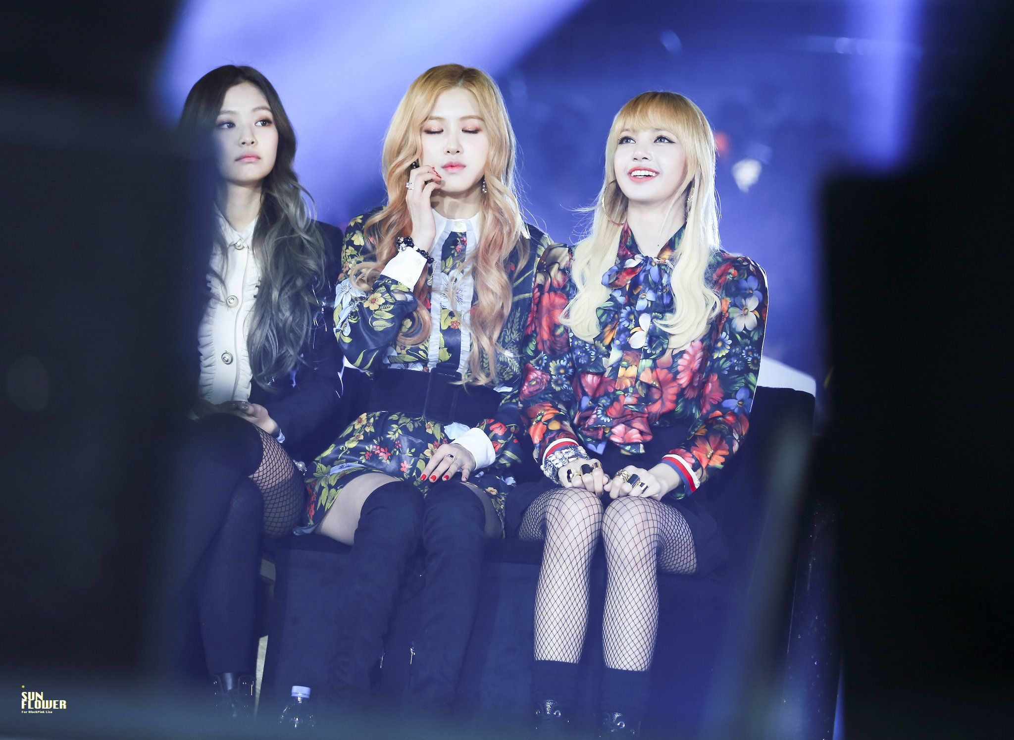 "Sun Flower on Twitter: ""161226 가요대전  #리사 #LISA #블랙핑크 #BLACKPINK   https://t.co/AJ1nSCiFZs https://t.co/W997gnaAqu https://t.co/2jD8eNg5AG"""