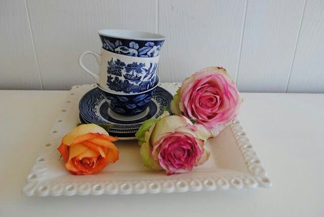 Playing with teacups and roses