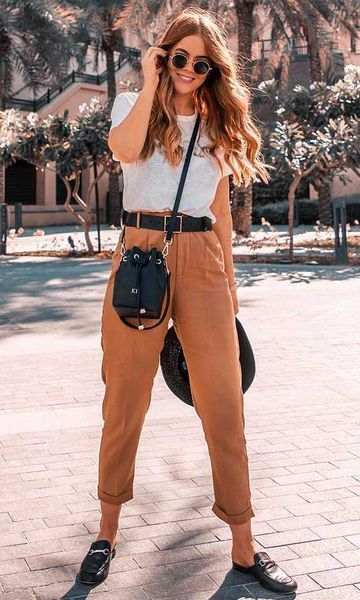 Spring Style // Simple yet very chic spring outfit idea.