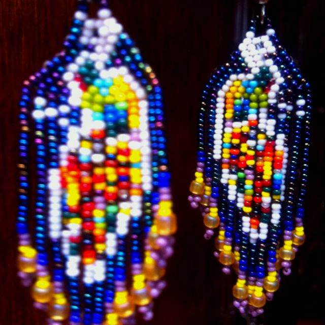 Peacock earrings. Arts Huichol jewelry.  Aretes de pavorreal
