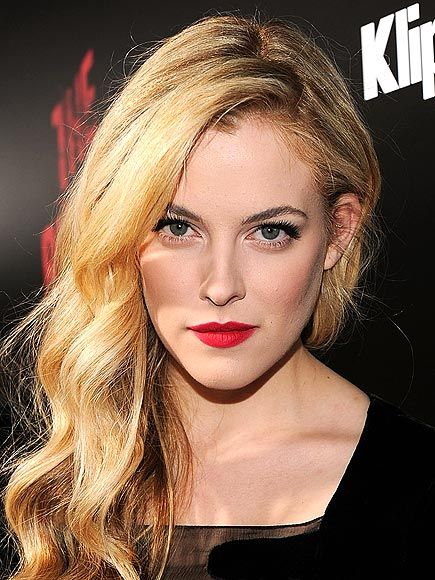 Gallery Of Fame Look At Me Art Work Riley Keough