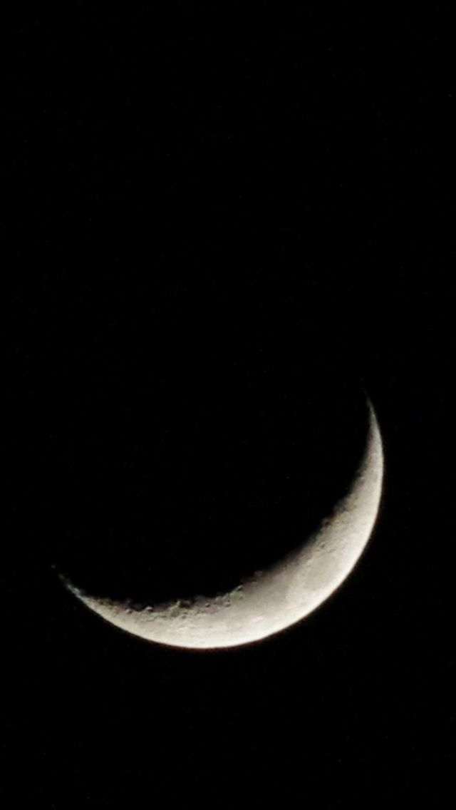 Crescent Moon Dark Night IPhone 5s Wallpaper