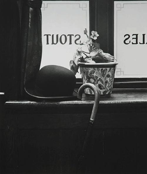 Pub London 1962    Photo: Evelyn Hofer