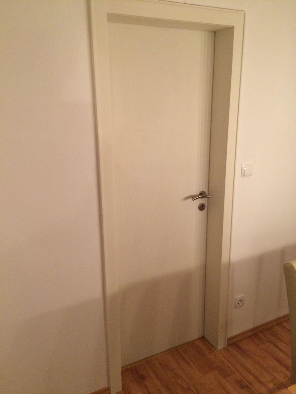 Alte Zimmertüren Müssen Nicht Zwangsläufig Erneuert Werden, In Dieser  Anleitung Erfahren Sie Wie Sie Türen Lackieren. Egal Ob Weiss Oder Eine  Andere Farbe!