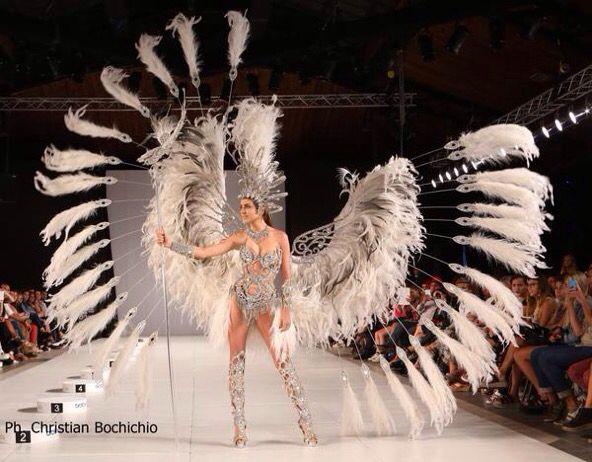Dise o de moda eamoda fel z por la presencia de valentina for Escuela argentina de diseno