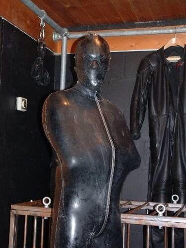 rubber gimp on two feet | Full Rubber Cover ----Men ...