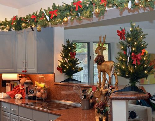 Decorating Kitchen For Christmas Google Search Christmas - Christmas kitchen decor ideas