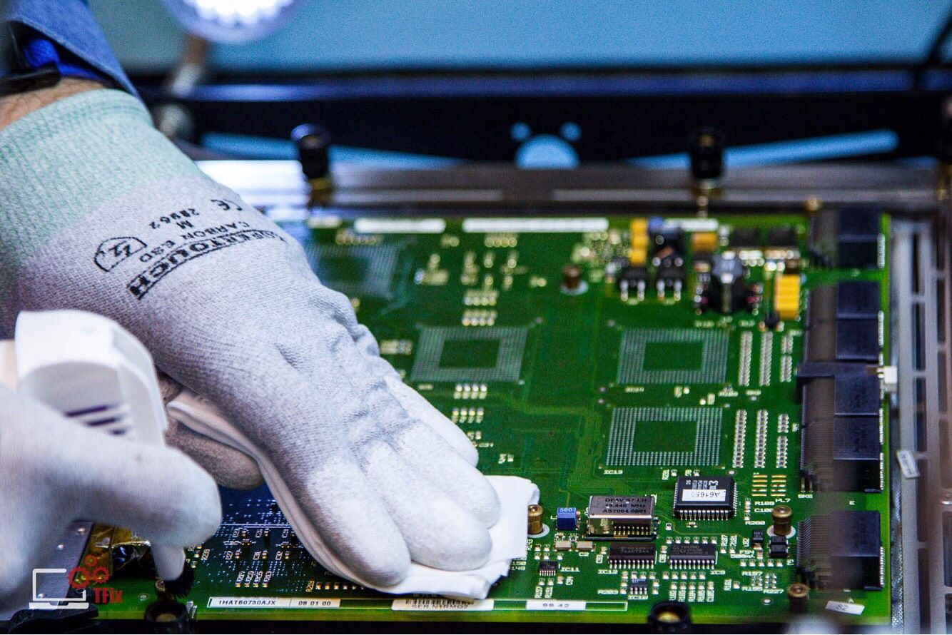 printed circuit board cleaning using solvents is critical as solvent