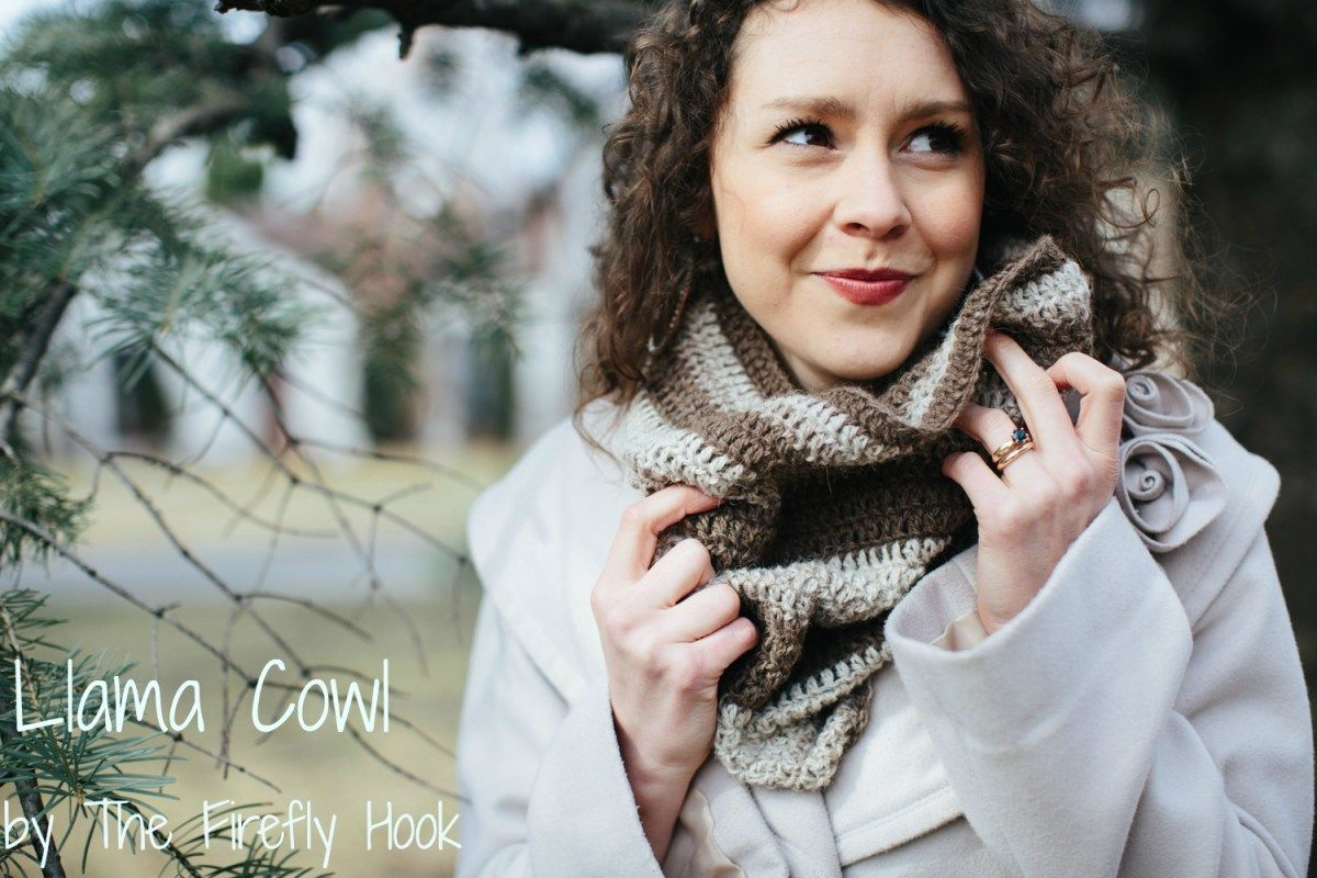The Llama Cowl: A FREE Pattern on Whistle & Ivy | christmas ...
