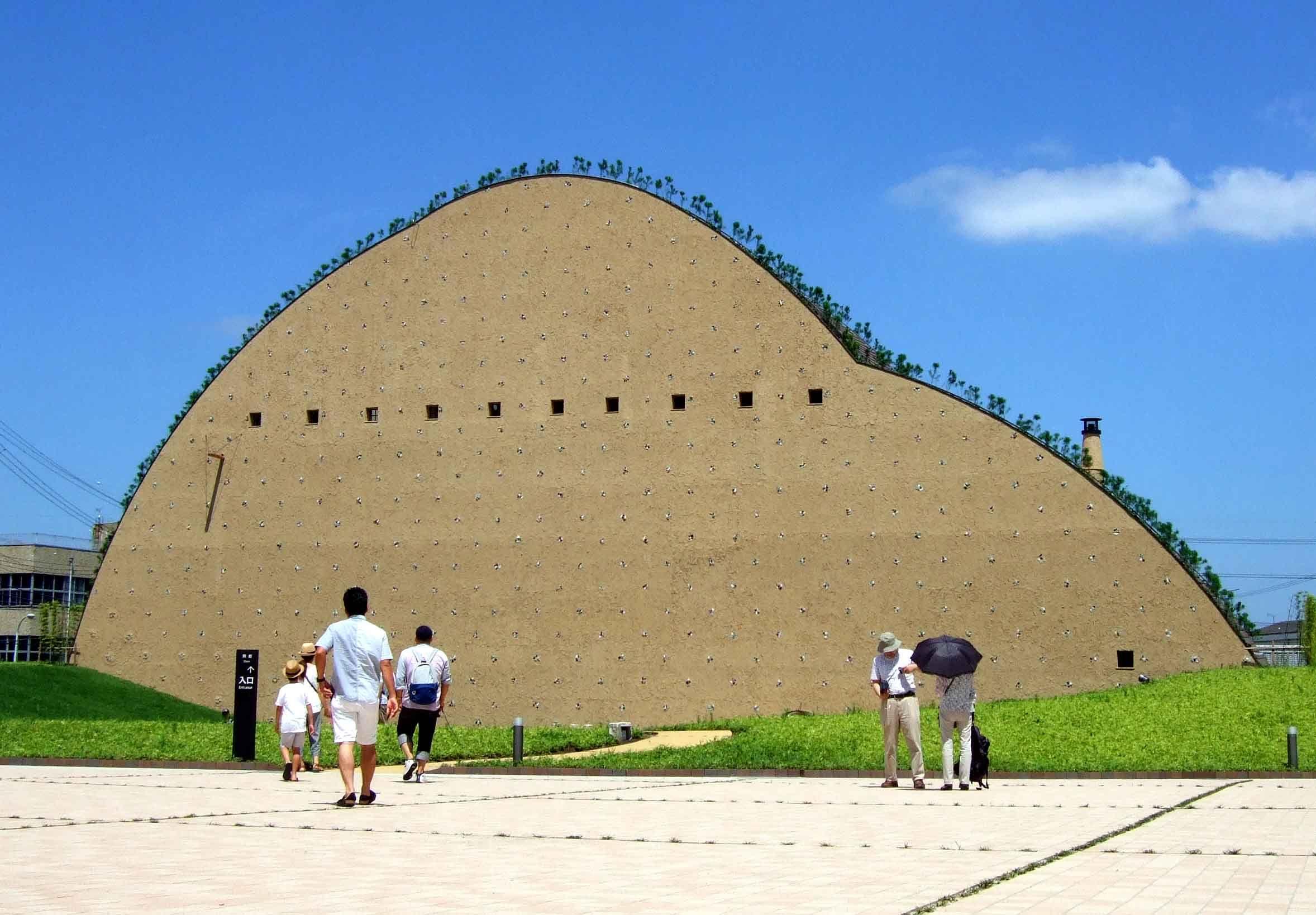 モザイクタイルミュージアム の1万点を超える収蔵品と貼り子体験 ミュージアム