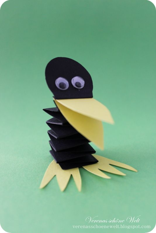 B is for bird - It´s time for crafts - little Raven ...