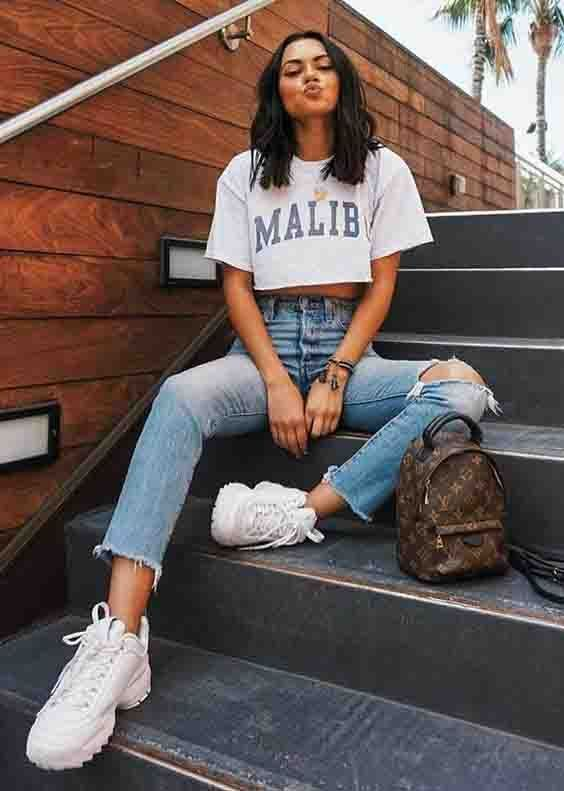 Calça jeans destroyed, cropped camiseta e chunky sneakers. #collaborate #blogger #photographer #influencer #photoshoot #blogphotos #socialmediacontent #catchmecollaborating #collaborating #collaborations #bloggerphotoshoot #brandphotoshoot #brandphotos как обработать фото красивые сториз vlog how to use canva for instagram шаблоны для инстаграм в одном стиле бесконечная структура инстаграм instagram story covers оформление инстаграма в одном стиле ig template приложения для инста